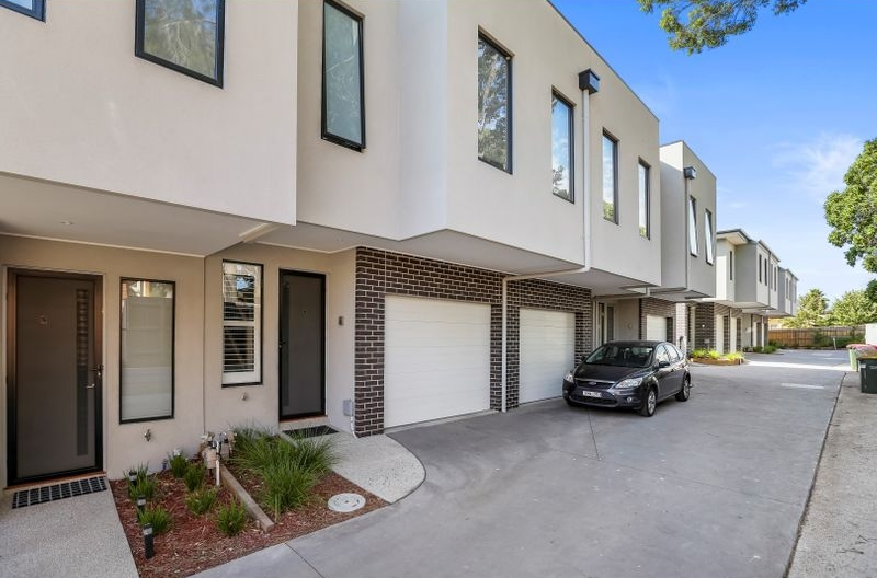 Outlook Drive Exterior 4