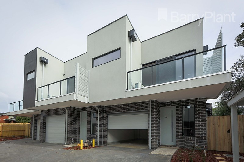 Outlook Drive Exterior 5